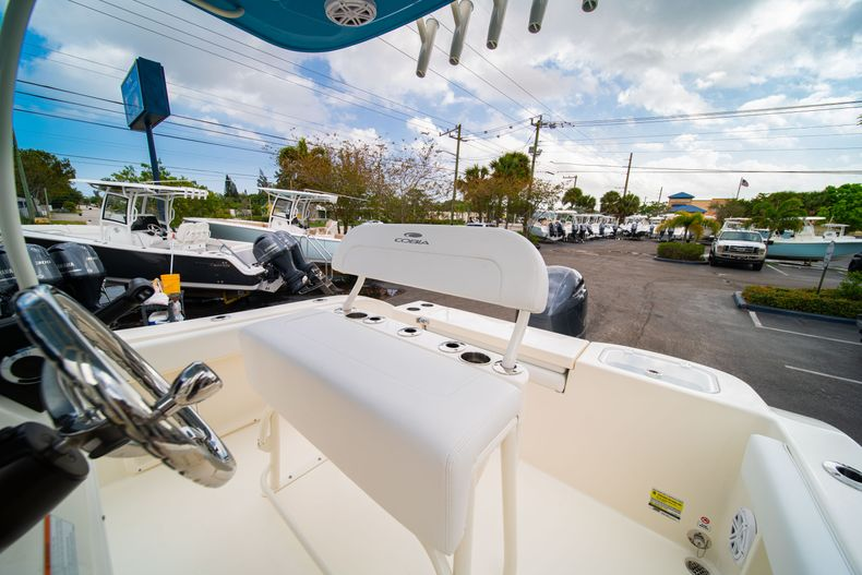 Thumbnail 27 for New 2020 Cobia 201 CC Center Console boat for sale in Miami, FL