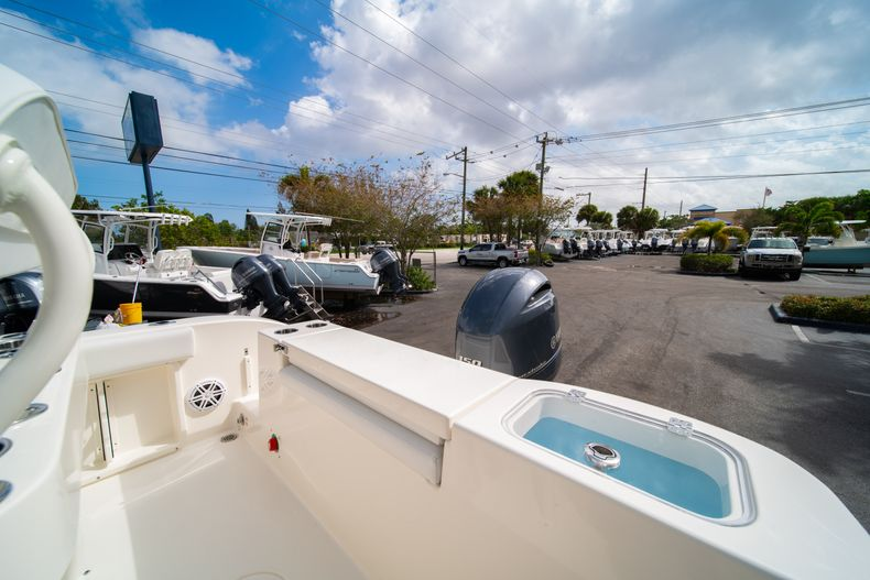 Thumbnail 11 for New 2020 Cobia 201 CC Center Console boat for sale in Miami, FL