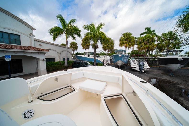 Thumbnail 31 for New 2020 Cobia 201 CC Center Console boat for sale in Miami, FL