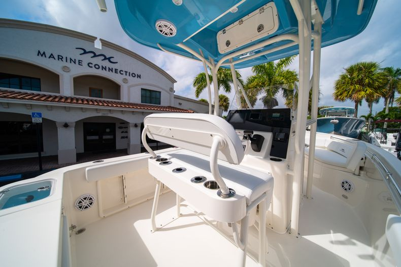 Thumbnail 16 for New 2020 Cobia 201 CC Center Console boat for sale in Miami, FL