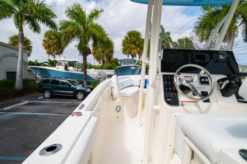 Thumbnail 18 for New 2020 Cobia 201 CC Center Console boat for sale in Miami, FL