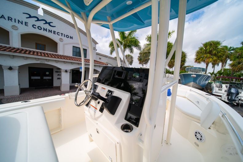 Thumbnail 19 for New 2020 Cobia 201 CC Center Console boat for sale in Miami, FL