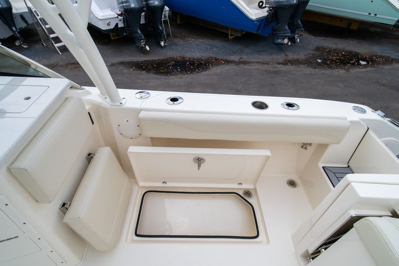 Thumbnail 14 for New 2020 Cobia 240 DC boat for sale in West Palm Beach, FL
