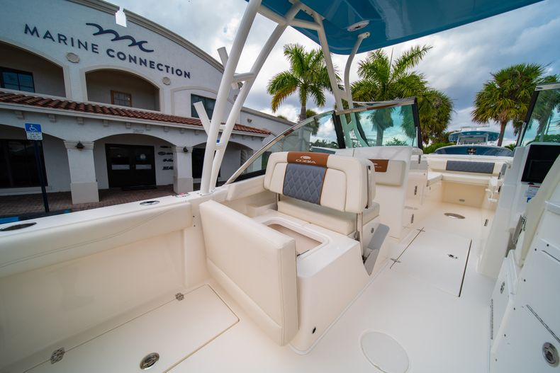 Thumbnail 22 for New 2020 Cobia 240 DC boat for sale in West Palm Beach, FL