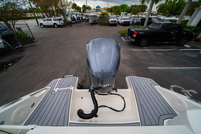 Thumbnail 9 for New 2020 Cobia 240 DC boat for sale in West Palm Beach, FL