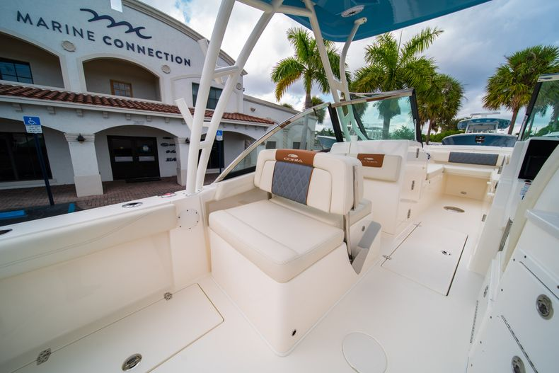 Thumbnail 21 for New 2020 Cobia 240 DC boat for sale in West Palm Beach, FL