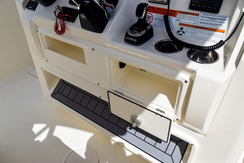 Thumbnail 79 for New 2020 Cobia 320 CC Center Console boat for sale in West Palm Beach, FL