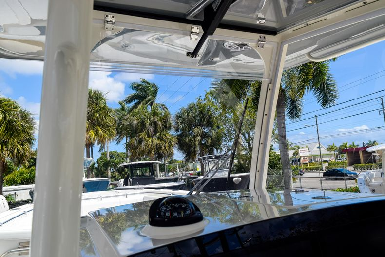 Thumbnail 75 for New 2020 Cobia 320 CC Center Console boat for sale in West Palm Beach, FL