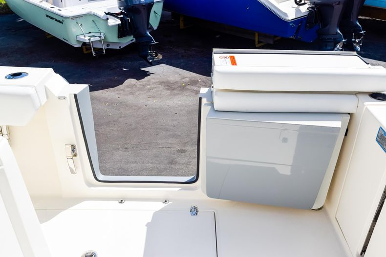 Thumbnail 31 for New 2020 Cobia 320 CC Center Console boat for sale in West Palm Beach, FL