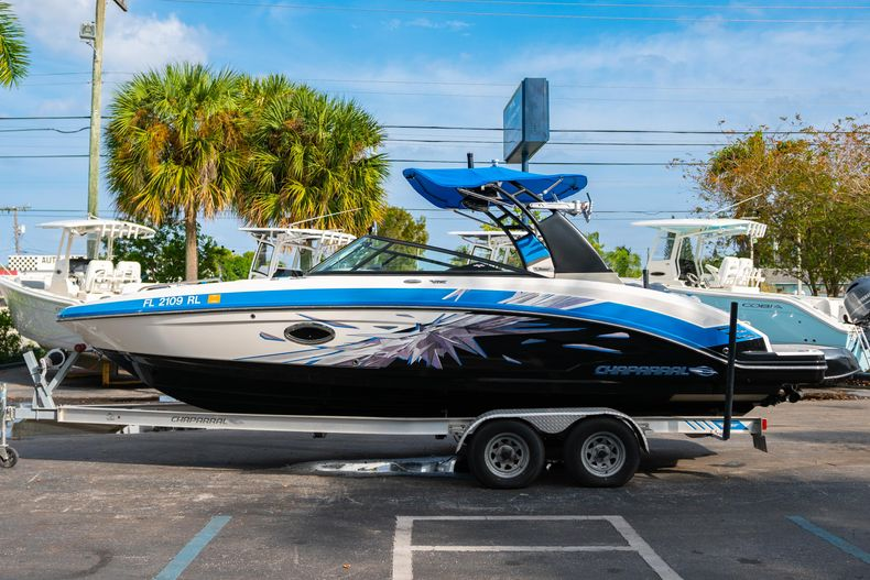 Thumbnail 4 for Used 2017 Chaparral 2430 VRX boat for sale in West Palm Beach, FL