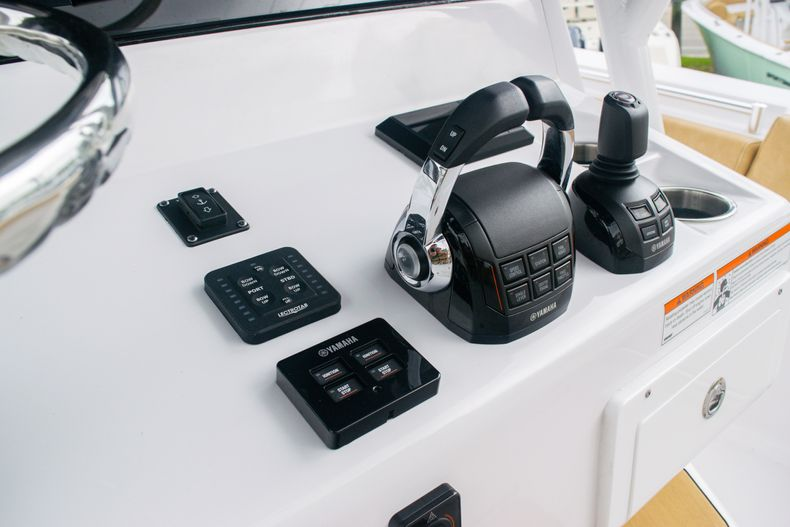 Thumbnail 36 for New 2020 Sportsman Open 312 Center Console boat for sale in West Palm Beach, FL