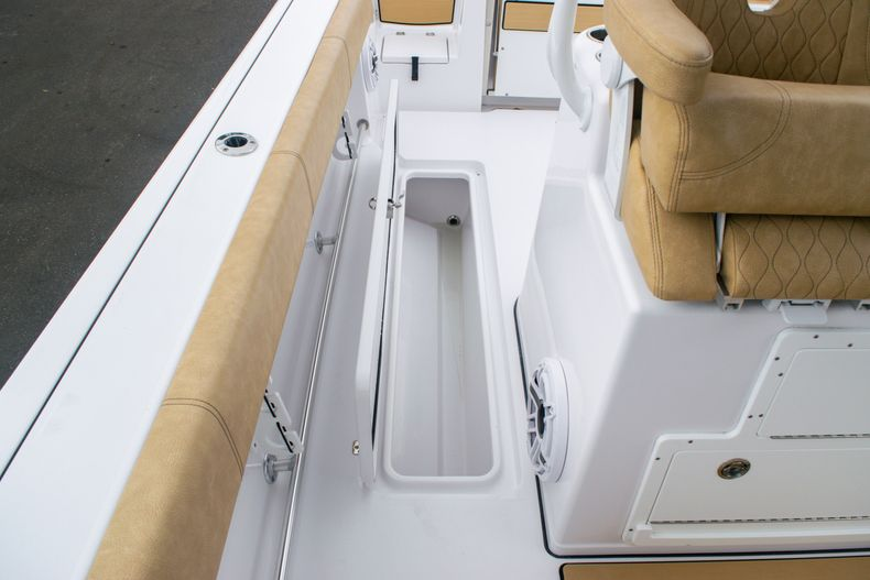 Thumbnail 18 for New 2020 Sportsman Open 312 Center Console boat for sale in West Palm Beach, FL