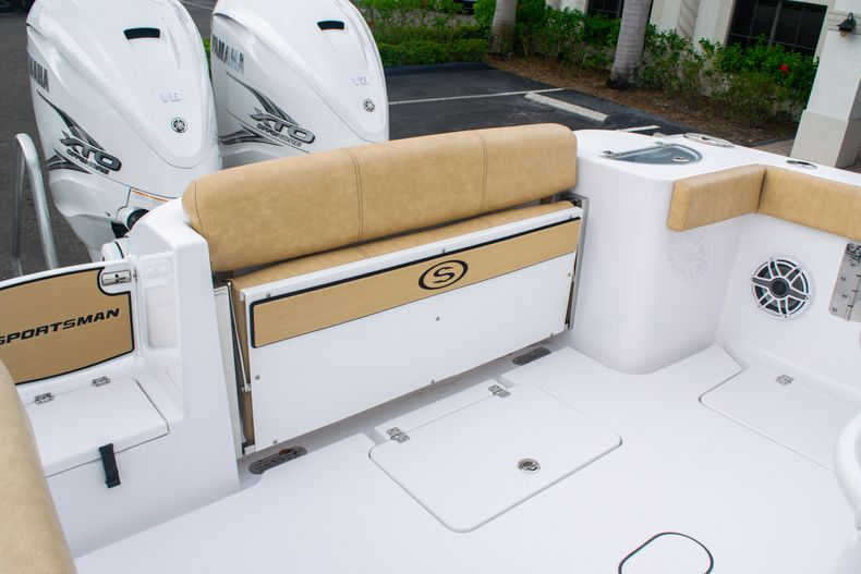 Thumbnail 10 for New 2020 Sportsman Open 312 Center Console boat for sale in West Palm Beach, FL