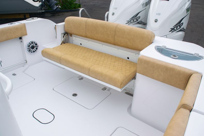 Thumbnail 14 for New 2020 Sportsman Open 312 Center Console boat for sale in West Palm Beach, FL