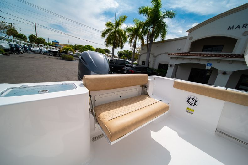 Thumbnail 12 for New 2020 Sportsman Open 242 Center Console boat for sale in West Palm Beach, FL