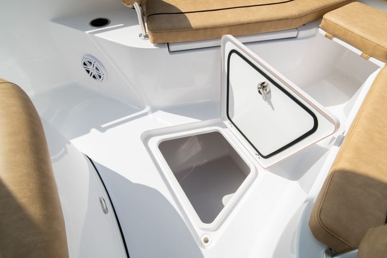 Thumbnail 36 for New 2020 Sportsman Open 242 Center Console boat for sale in West Palm Beach, FL
