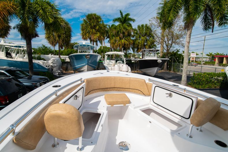 Thumbnail 34 for New 2020 Sportsman Open 242 Center Console boat for sale in West Palm Beach, FL