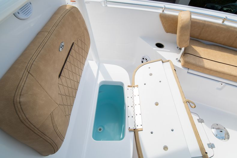 Thumbnail 40 for New 2020 Sportsman Open 242 Center Console boat for sale in West Palm Beach, FL