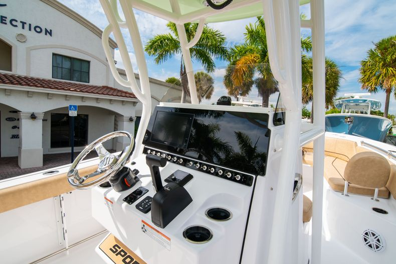 Thumbnail 21 for New 2020 Sportsman Open 242 Center Console boat for sale in West Palm Beach, FL