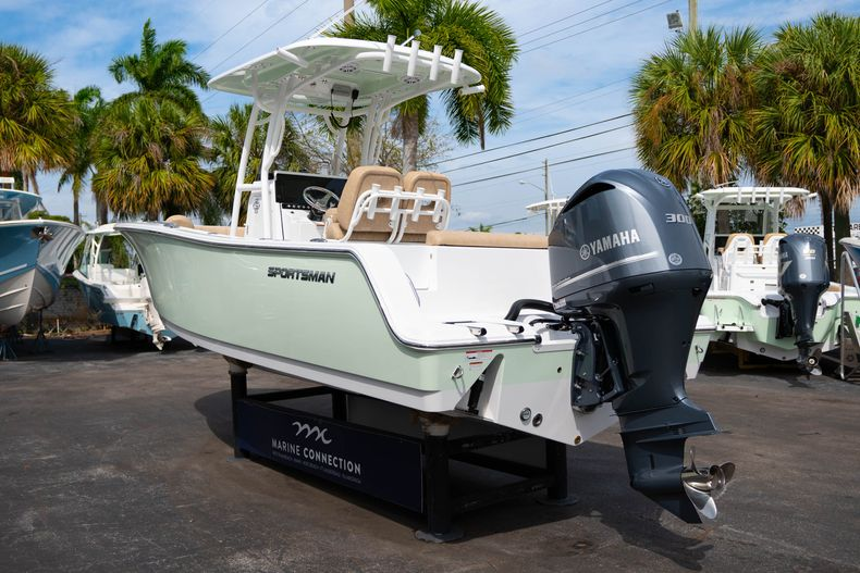 Thumbnail 5 for New 2020 Sportsman Open 242 Center Console boat for sale in West Palm Beach, FL