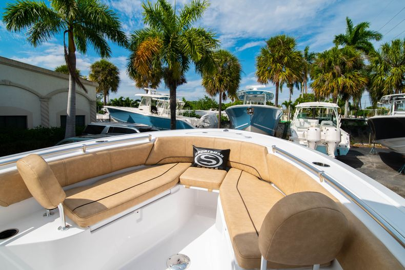 Thumbnail 31 for New 2020 Sportsman Open 242 Center Console boat for sale in West Palm Beach, FL