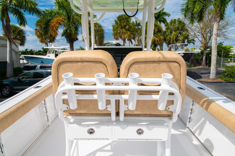 Thumbnail 18 for New 2020 Sportsman Open 242 Center Console boat for sale in West Palm Beach, FL
