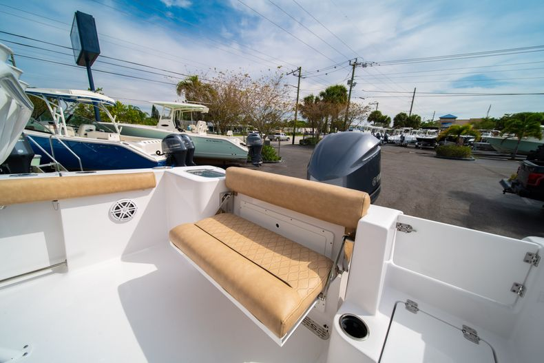 Thumbnail 14 for New 2020 Sportsman Open 242 Center Console boat for sale in West Palm Beach, FL