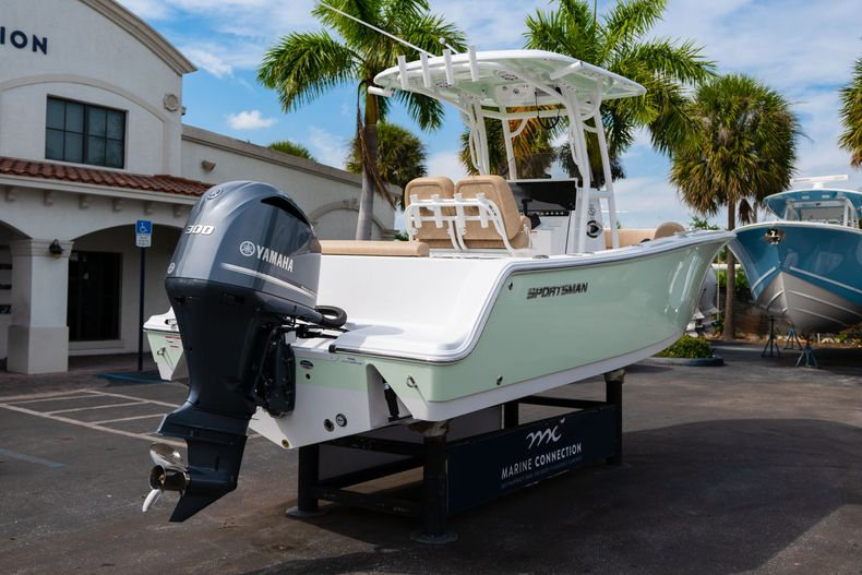 Thumbnail 7 for New 2020 Sportsman Open 242 Center Console boat for sale in West Palm Beach, FL