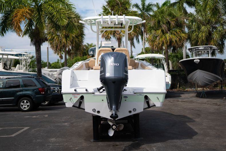 Thumbnail 6 for New 2020 Sportsman Open 242 Center Console boat for sale in West Palm Beach, FL