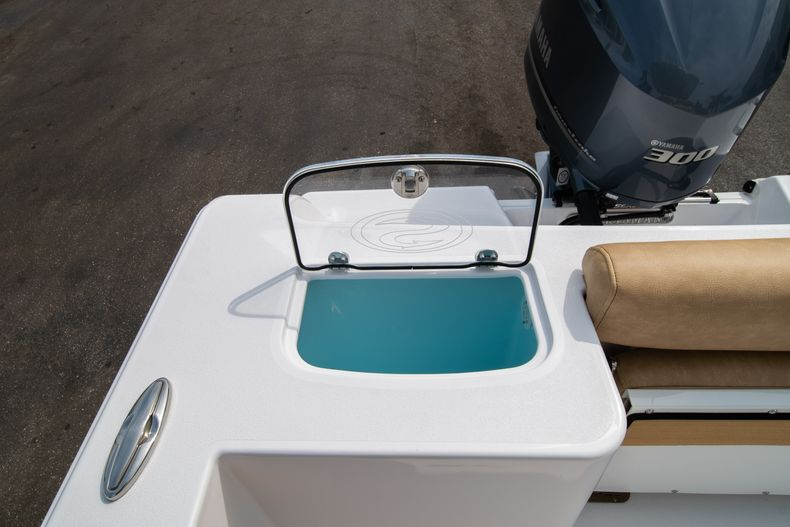 Thumbnail 10 for New 2020 Sportsman Open 242 Center Console boat for sale in West Palm Beach, FL