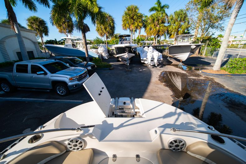Thumbnail 28 for Used 2018 Stingray 192SC boat for sale in West Palm Beach, FL