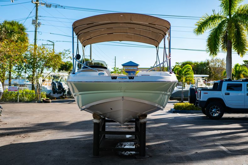 Thumbnail 2 for Used 2018 Stingray 192SC boat for sale in West Palm Beach, FL