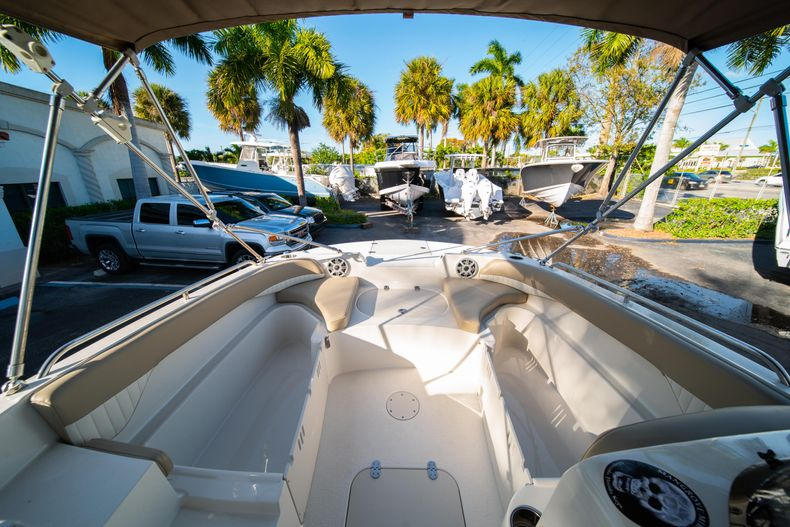 Thumbnail 24 for Used 2018 Stingray 192SC boat for sale in West Palm Beach, FL