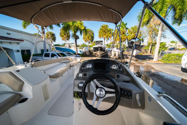 Thumbnail 12 for Used 2018 Stingray 192SC boat for sale in West Palm Beach, FL