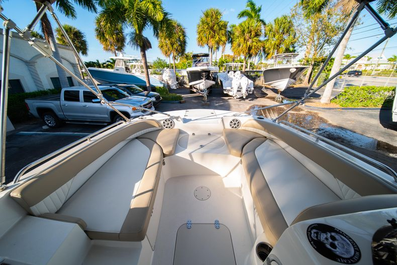 Thumbnail 23 for Used 2018 Stingray 192SC boat for sale in West Palm Beach, FL
