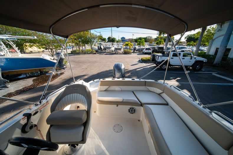 Thumbnail 10 for Used 2018 Stingray 192SC boat for sale in West Palm Beach, FL