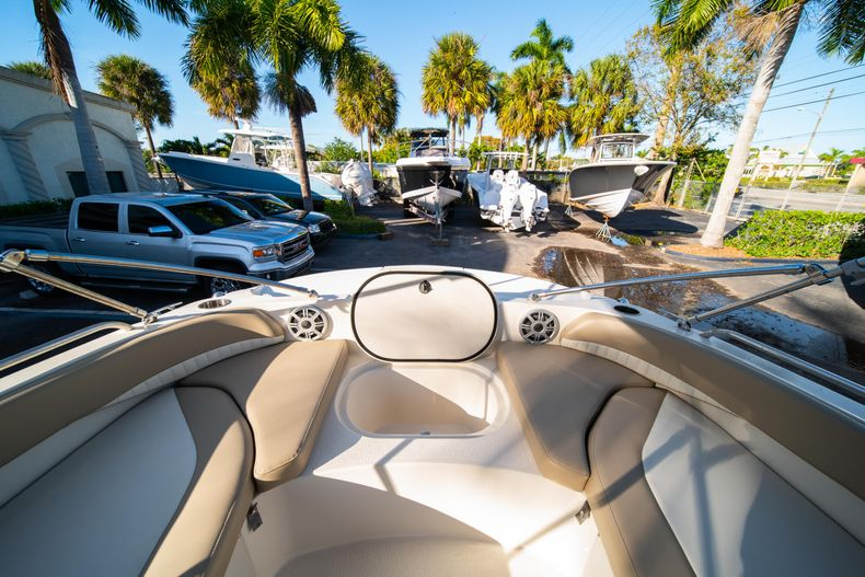 Thumbnail 26 for Used 2018 Stingray 192SC boat for sale in West Palm Beach, FL