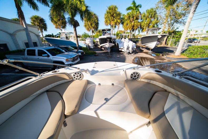 Thumbnail 25 for Used 2018 Stingray 192SC boat for sale in West Palm Beach, FL