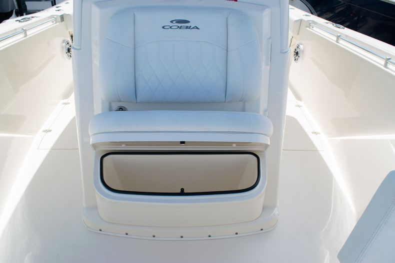 Thumbnail 48 for New 2020 Cobia 320 CC Center Console boat for sale in West Palm Beach, FL