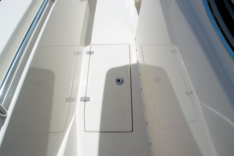 Thumbnail 43 for New 2020 Cobia 320 CC Center Console boat for sale in West Palm Beach, FL