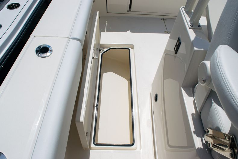 Thumbnail 19 for New 2020 Cobia 320 CC Center Console boat for sale in West Palm Beach, FL