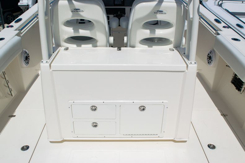 Thumbnail 20 for New 2020 Cobia 320 CC Center Console boat for sale in West Palm Beach, FL