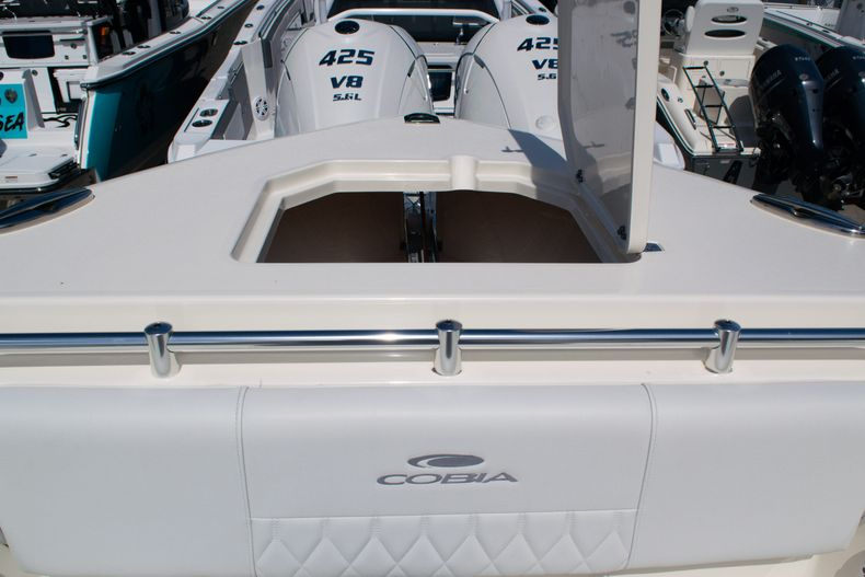 Thumbnail 59 for New 2020 Cobia 320 CC Center Console boat for sale in West Palm Beach, FL