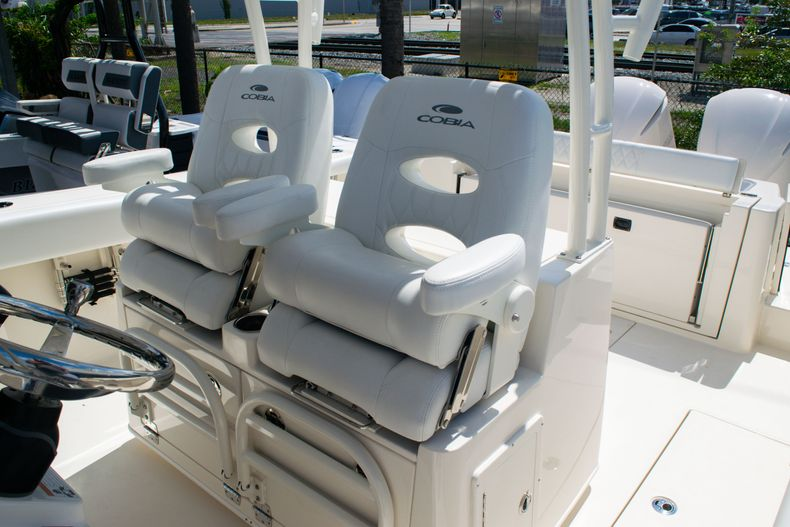Thumbnail 28 for New 2020 Cobia 320 CC Center Console boat for sale in West Palm Beach, FL
