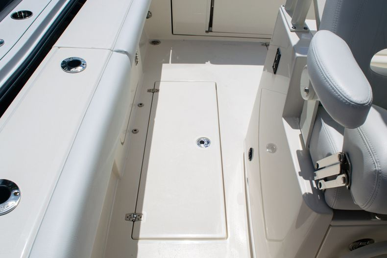 Thumbnail 18 for New 2020 Cobia 320 CC Center Console boat for sale in West Palm Beach, FL
