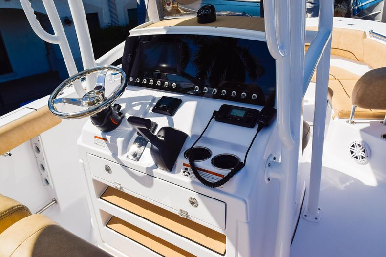 Thumbnail 31 for New 2020 Sportsman Heritage 231 Center Console boat for sale in West Palm Beach, FL