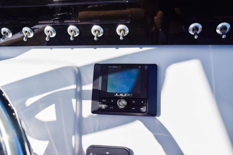 Thumbnail 33 for New 2020 Sportsman Heritage 231 Center Console boat for sale in West Palm Beach, FL