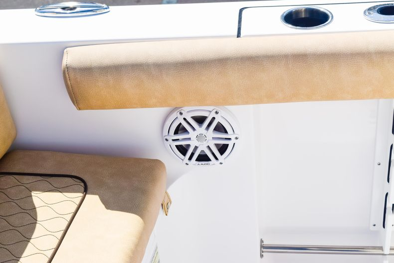 Thumbnail 22 for New 2020 Sportsman Heritage 231 Center Console boat for sale in West Palm Beach, FL