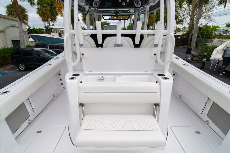 Thumbnail 14 for New 2020 Sportsman Open 352 Center Console boat for sale in West Palm Beach, FL