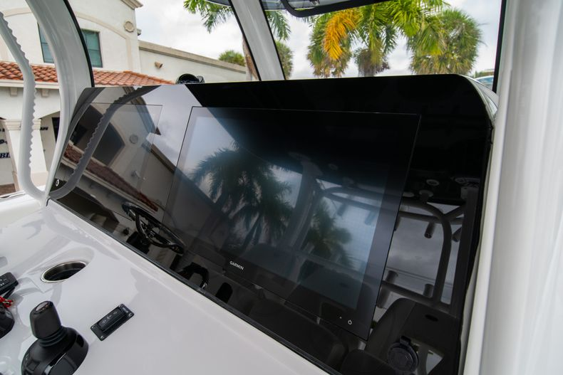 Thumbnail 16 for New 2020 Sportsman Open 352 Center Console boat for sale in West Palm Beach, FL